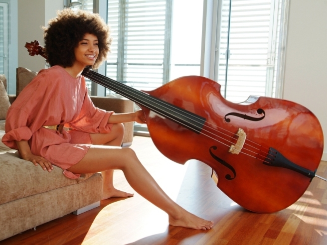 q-esperanza-spalding-photo-by-johann-sauty_8x10